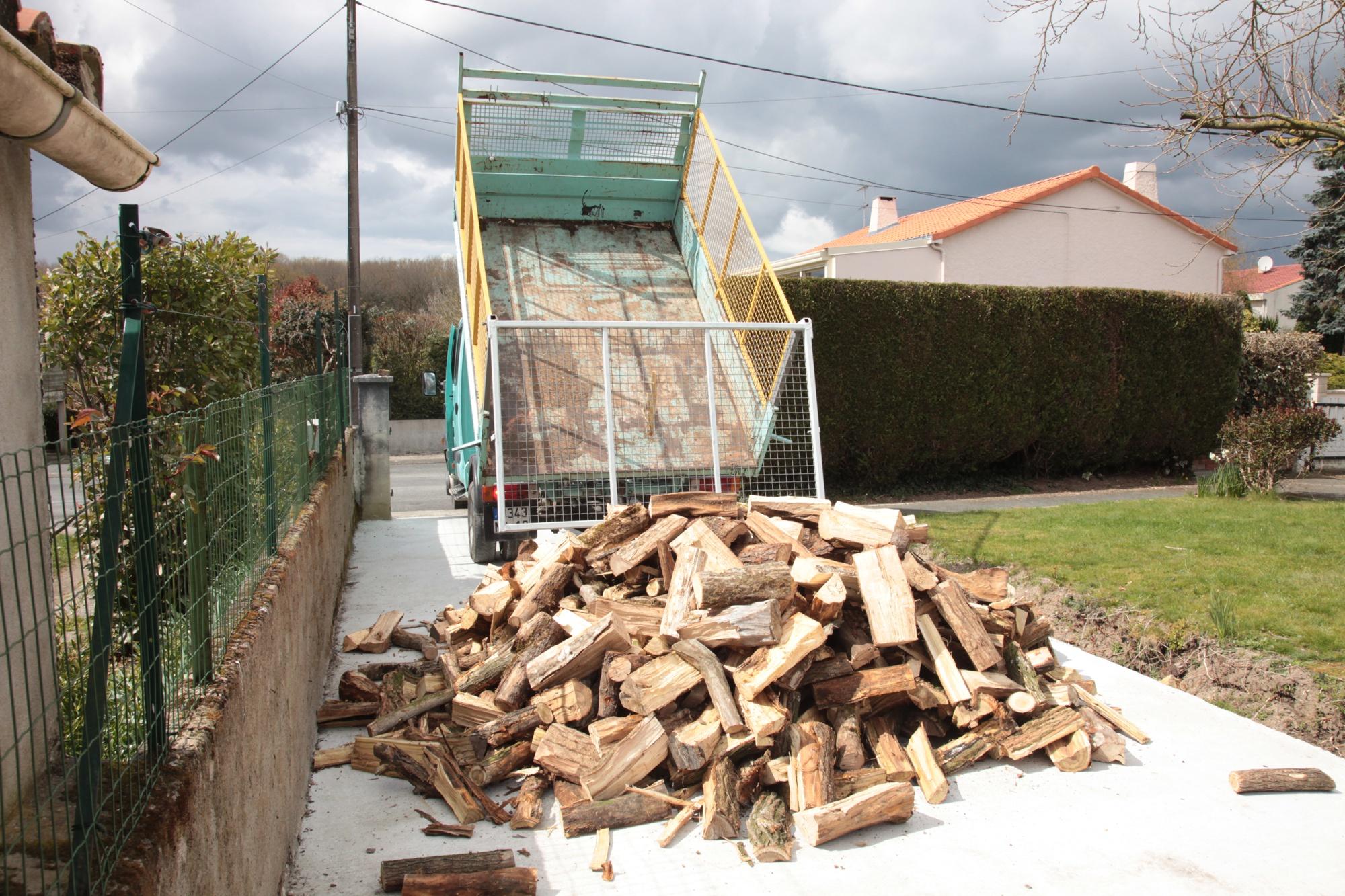 Livraison de bois à domicile chez vous